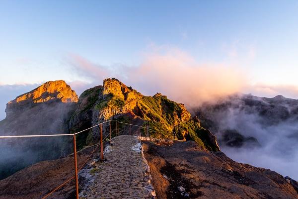 le point de vue culminant de Madere Pico Ruivo