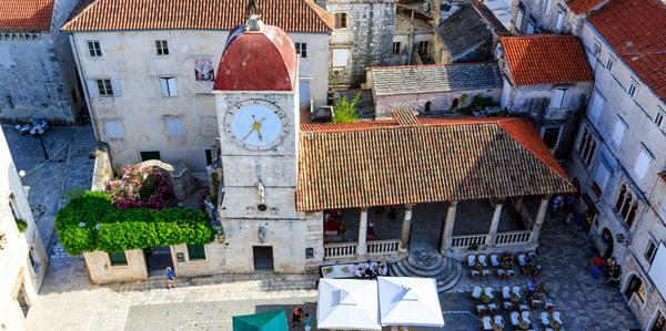 De prachtige oude stadskern van Trogir