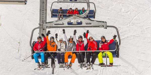 Wintersport groot gezelschap