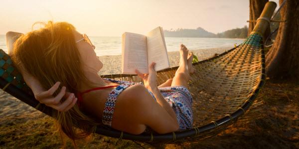 Meisje Hangmat Boeken Zon