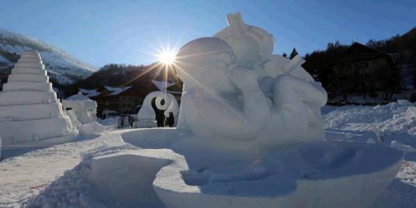 Sunweb wintersport - Frankrijk - Valloire - Sneeuwsculpturen