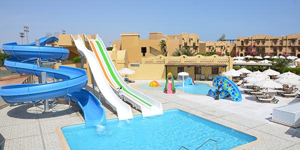 Three Corners Rihana, zwembad met glijbanen.
