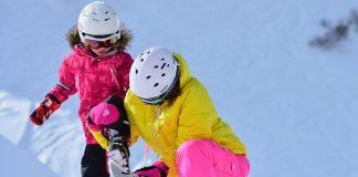 kinderen skivakantie sneeuw