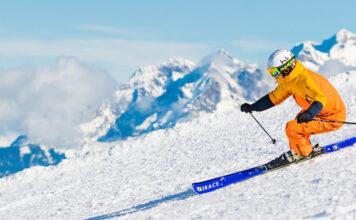 Skifahrer in den Alpen