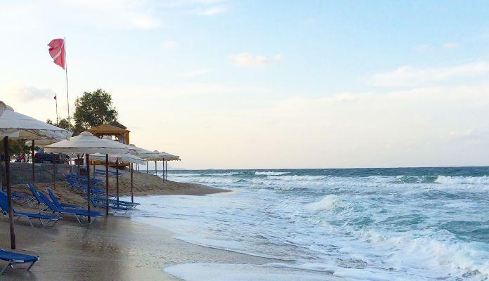 Folktom strand på Kreta